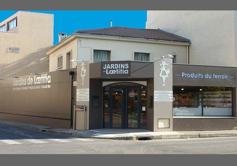 Les Jardins de Laetitia_3 facades.jpg